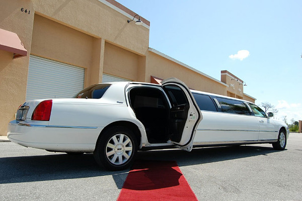 lincoln stretch limo Reno